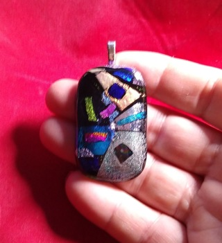 ART GLASS NECKLACE HAND MADE AND JUST BEAUTIFUL COLORS TAKE A LOOK WOW!