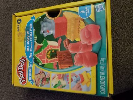 Playdoh mold toy set (no doh)