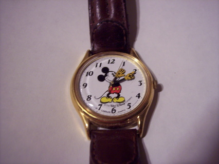 Mickey Mouse Watch Value >> Free Rare Collectors Vintage Mickey Mouse Lorus Watch V515