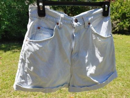 Vintage Levis 37954. Size 9 Regular Fit High Waisted Jeans Shorts. Light Blue Wash.