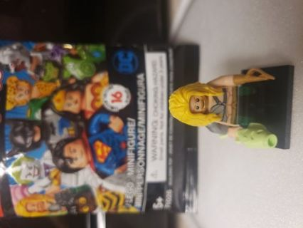 NEW LEGO DC COMICS MINIFIGURE!