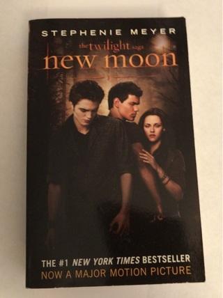 The Twilight Saga  New Moon Paperback