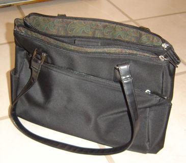 Dockers Purse Handbag Lots Of Pockets And Compartments