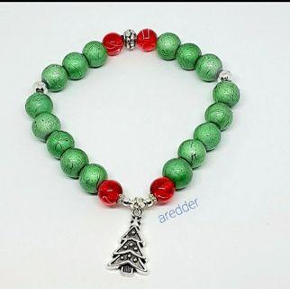 ☆• Chtistmas Spirit Beaded Stretch Bracelet NEW •☆