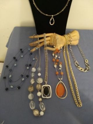 Small Necklace Lot---Think Christmas---All Different!!!!!