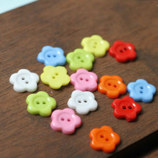 100Pcs Mixed Color Innovative Flower Shape Sewing Resin 14 mm Buttons