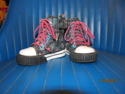 SUPER CUTE HITOPS~SIZE 4 Toddler