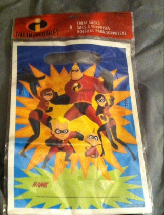 Sealed-The Incredibles/8 Treat Sacks-Read description before bidding
