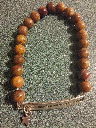 High quality glass beaded motivational star bracelet. Tiger eye brown