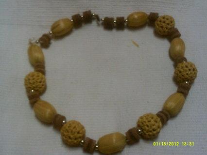 Island Style Beach Necklace - Vintage