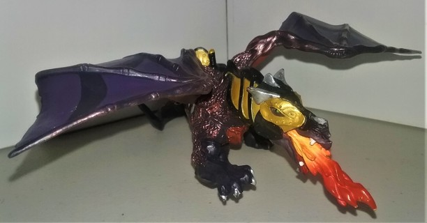 """2007 Papo Fire-breathing Dragon of Darkness - 9"""" long x 9"""" wingspan - weight 10 oz. - black/bronze"""