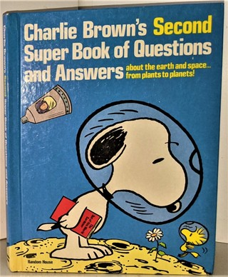 """1977 """"Charlie Brown's Second Super Book of Questions & Answers"""" - About SPACE - Hardcover  149 pages"""