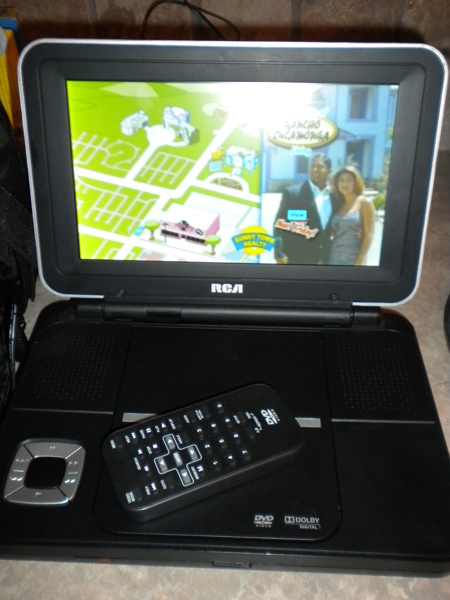 free rca drc6309 9 in portable dvd player dvd blu. Black Bedroom Furniture Sets. Home Design Ideas