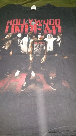 Hollywood undead black medium t shirt never worn out great condition shirt