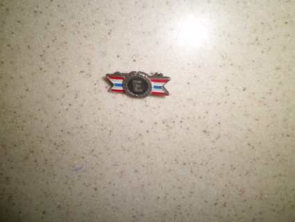 ANTIQUE STERLING SILVER WW11 PIN GREAT COND FREE SHIPPING!