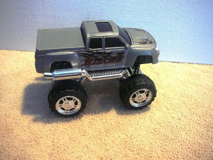 Polyfect Toys 4WD Monster Truck (Silver)