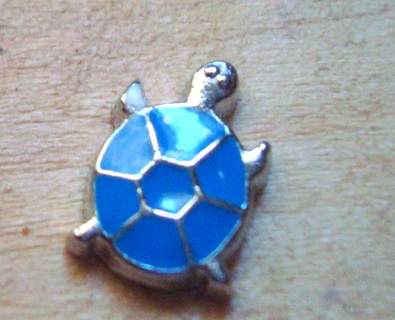 PRETTY BLUE AND SILVER METAL TURTLE FLOATING CHARM