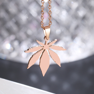 ✿Free Shipping✿ Maple Leaf Choker Pendant Necklace x1pc