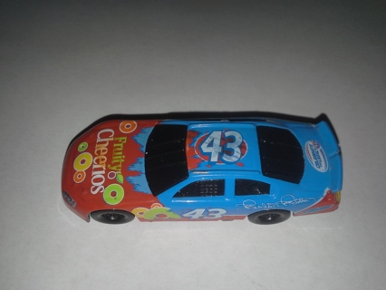 Free Nascar Richard Petty Fruity Cheerios Car Free Shipping 2008