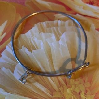 Origami Owl Heart Charm Wire Bracelet w/❤️Open Hanging Gold Heart Pendant