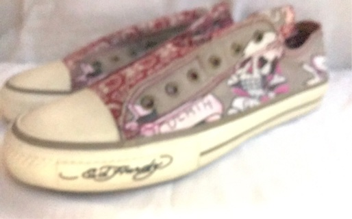 Add a hearty converse size 10 vintage ladies shoes