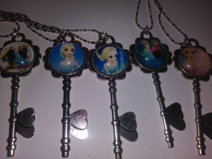 New Disney's Frozen girls key heart shaped necklaces. Winners choice gin gets all 5