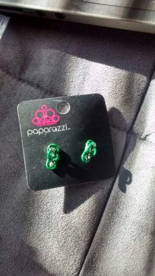 Green Earrings giveaway