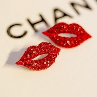 [GIN FOR FREE SHIPPING] Elegant Sexy Women Red Lip Rhinestone Earrings