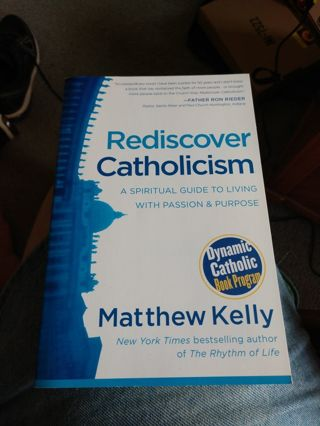 Rediscover Catholicism by Matthew Kelly (paperback)