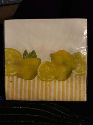 Pack of 16 Disposable Napkins....Lemons!