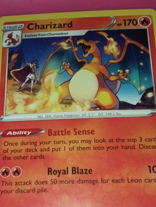Charizard 025/185 Vivid Voltage NON HOLO Pokemon Card Unplayed NM
