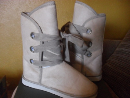 Warm lace up boots size 6-7