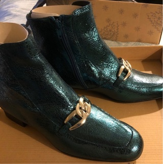 """BNIB Size 7.5 """"FREE PEOPLE"""" Green Ankle Boots w/ Inside Zipper and Buckle In Front"""