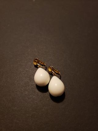 Vintage TRIFARI Clip-on Earrings