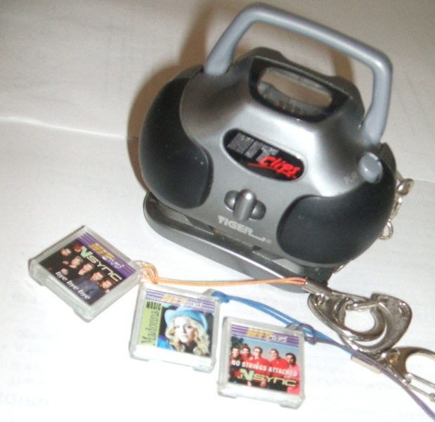 90s Music Toys : Free hit clips mini boombox with buyer pays
