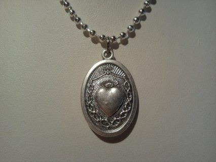 ~SACRED HEART MEDALLION~ Comes with free 24 inch Silver Plate chain~