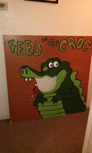 Free Feed The Tic Toc Croc Bean Bag Toss Game Games