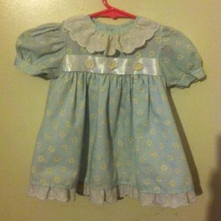12 mo girls Daisy eyelet Lace Dress