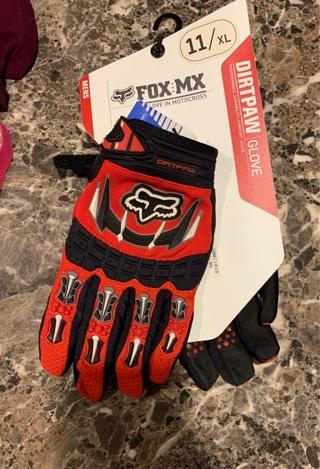 New pair FOX DIRTPAW GLOVES 11/XL