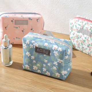 [GIN FOR FREE SHIPPING] Fashion Mini Travel Wash Bag Toiletry Make Up Floral Cosmetic