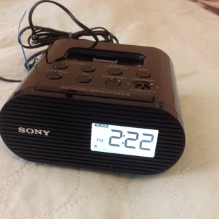 Sony IPod/IPhone FM Radio Alarm Clock Dock