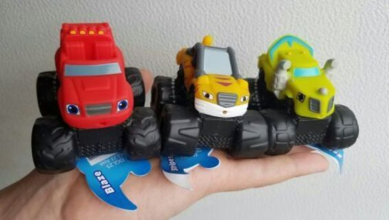 Blaze and the Monster Machines Bath Squirters