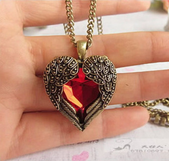 Vintage Style Red Wing Heart Necklace