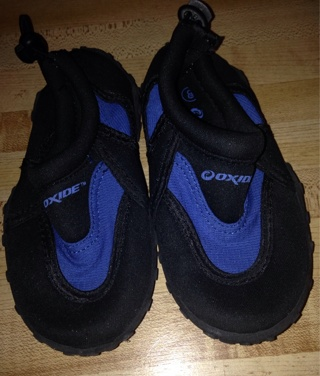 Free: Oxide Water Shoes - Toddler Size 8 - Boys' Clothing - Listia ...