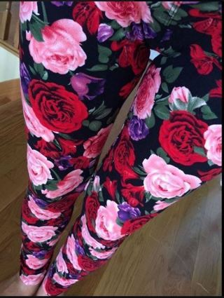 PLUS SIZE RED PINK FLORAL LEGGINGS BUTTERY SOFT SIZES 12-20 NWT FREE SHIPPING!