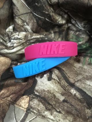 2 kids / womens nike wristbands bracelets accessories free shipping
