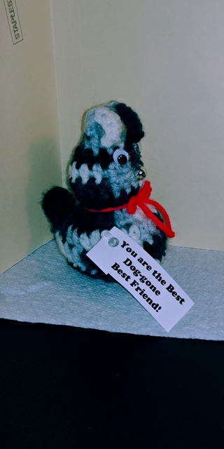 "Crochet Dog (B-7541) Black/ White/Gray -- ""Best Dog-gone Best Friend"""