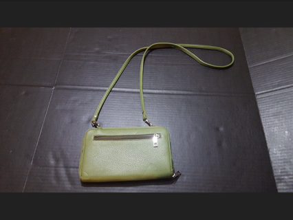 Cute Green Crossbody Wallet with Removeable Strap! Good Condition