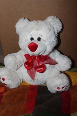 Plush White Be Mine Heart Valentine LOVE Bear Sitting 10 inches
