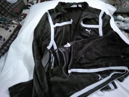 Puma velour jogging suit size small